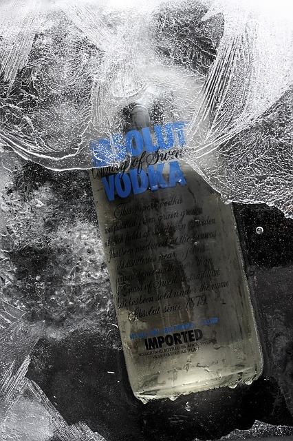 Absolut vodka jégbe fagyva