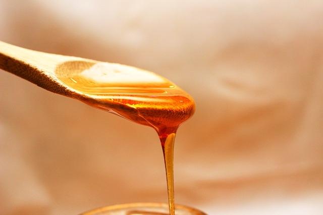Kanálról csorgó méz