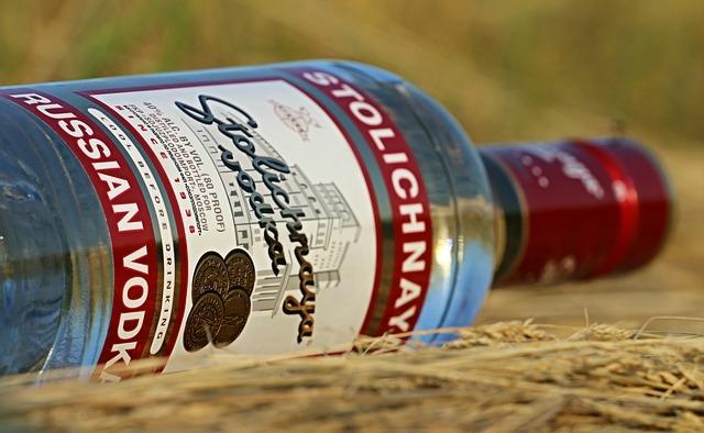 Stolichnaya vodka üveg