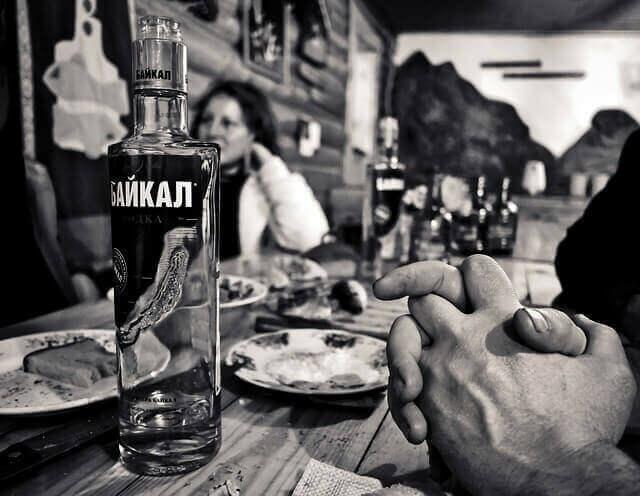Étkezések mellé is kiváló a vodka