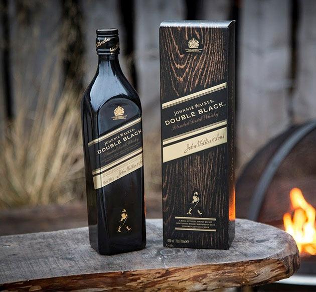 Johnnie Walker Double Black díszdobozban